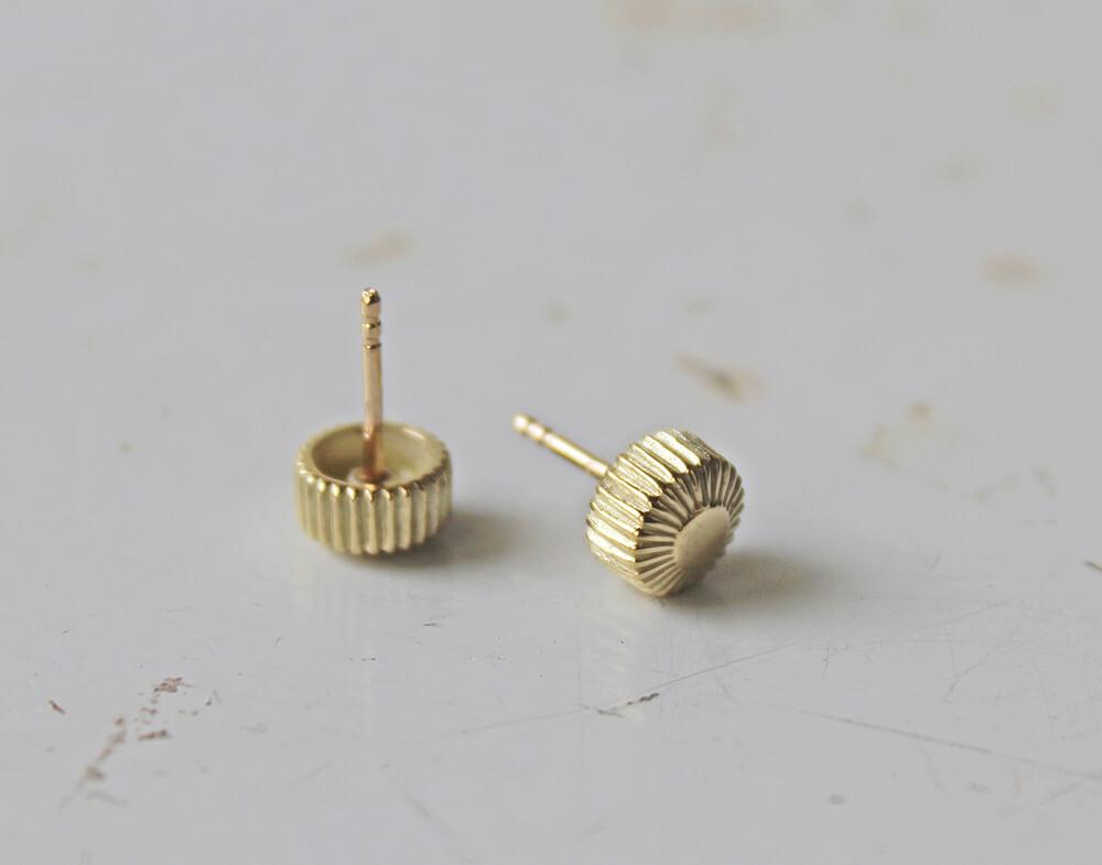 prague #2 gold stud earrings
