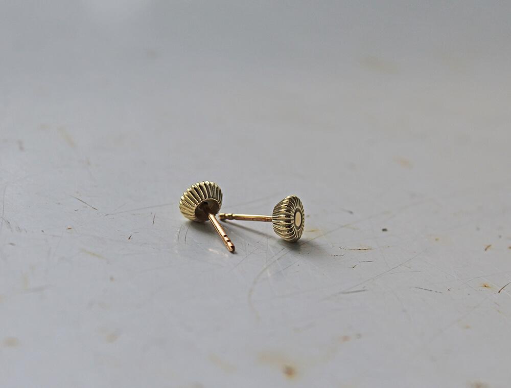 Prague #3 14k gold stud earrings